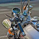Jak zamontować kamerę motocyklową?